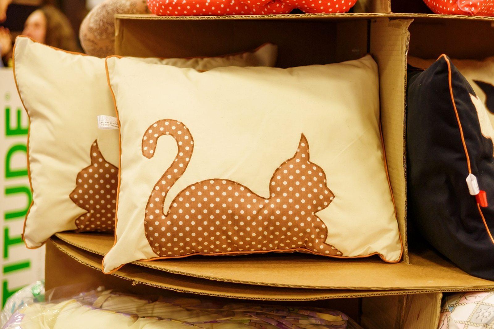 pisicile-tolanite-2